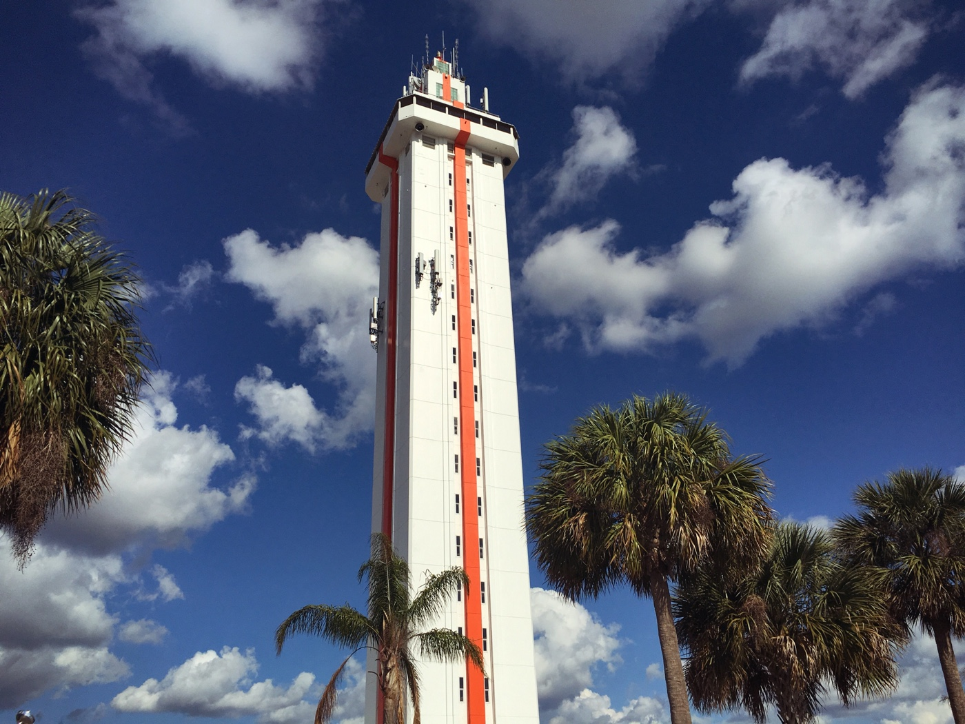 a visit to the florida citrus tower is a great stop during an original orlando tours of old florida roadside attraction day visit to historic clermont florida for a winery picnic and tasting