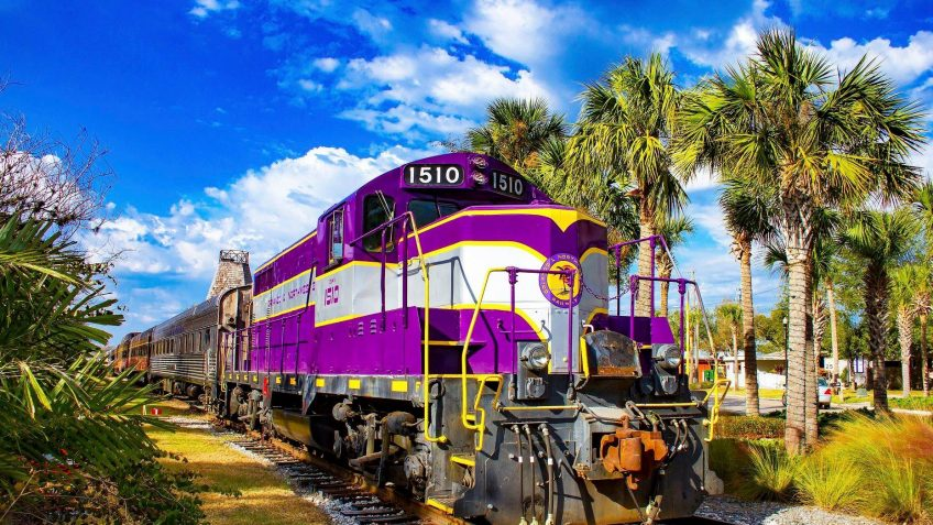 the royal pizza express train tour is included during an original orlando tours visit to historic mount dora florida